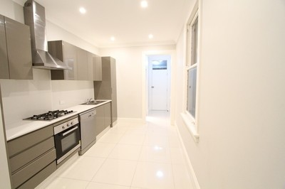 Fully furnished & Renovated 4 bedroom Terrace in Fantastic Position