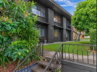 Great Value Apartment in Heart of Coorparoo