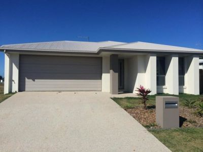 WEST MACKAY FAMILY HOME CLOSE TO MACKAY!