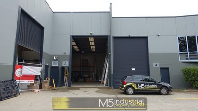 310sqm Warehouse + Office ...... Right on the M5 !!