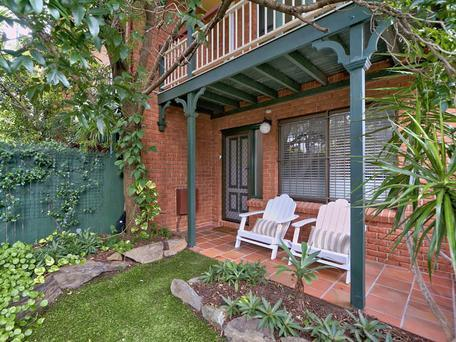 2 Bedroom Spacious Townhouse