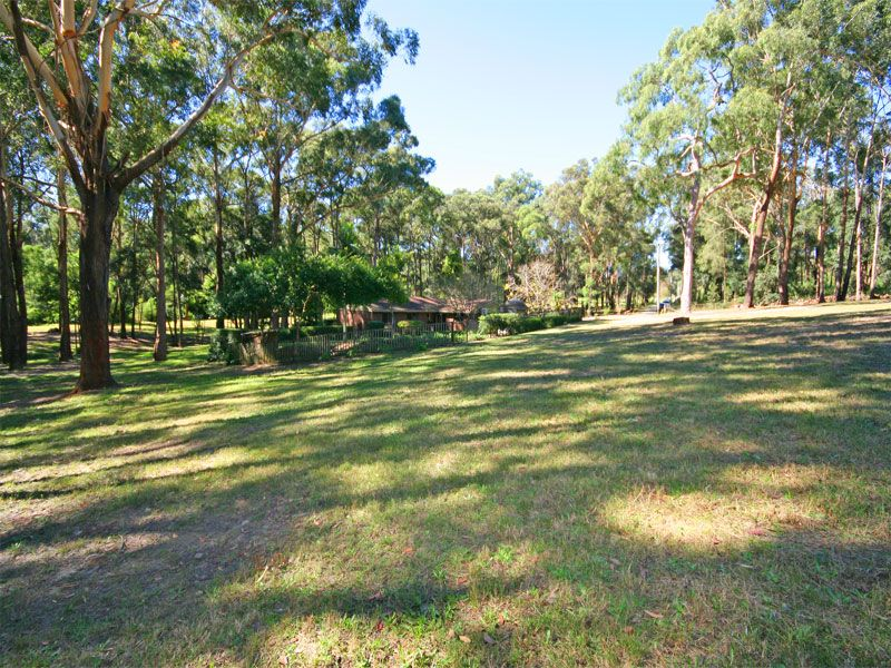 All about location! Fantastic Dural positon just moments to Round Corner shops and Private Schools. Exclusive Retreat.