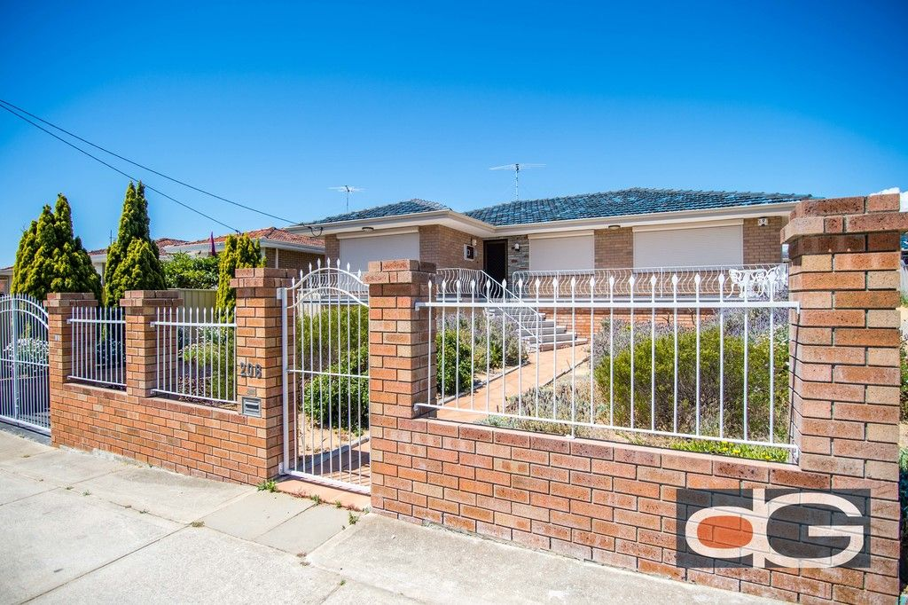 208 Rockingham Road, Hamilton Hill