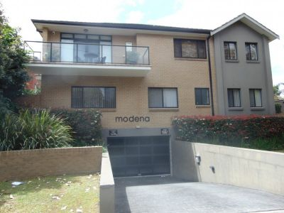 Immaculately Presented 2 Bedroom Townhouse Style Apartment