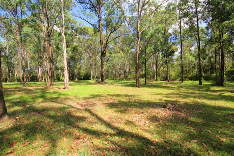 Build your dream home on this perfect vacant block - 1012m2 in lovely rural setting close to park and school.
