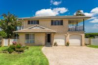 Fantastic Entry Level Home One Minute From The Beach!