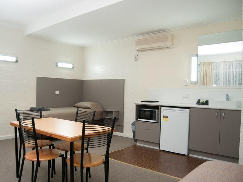 FULLY MANAGED B&B MOTEL IN POPULAR RIVERINA SERVICE TOWN