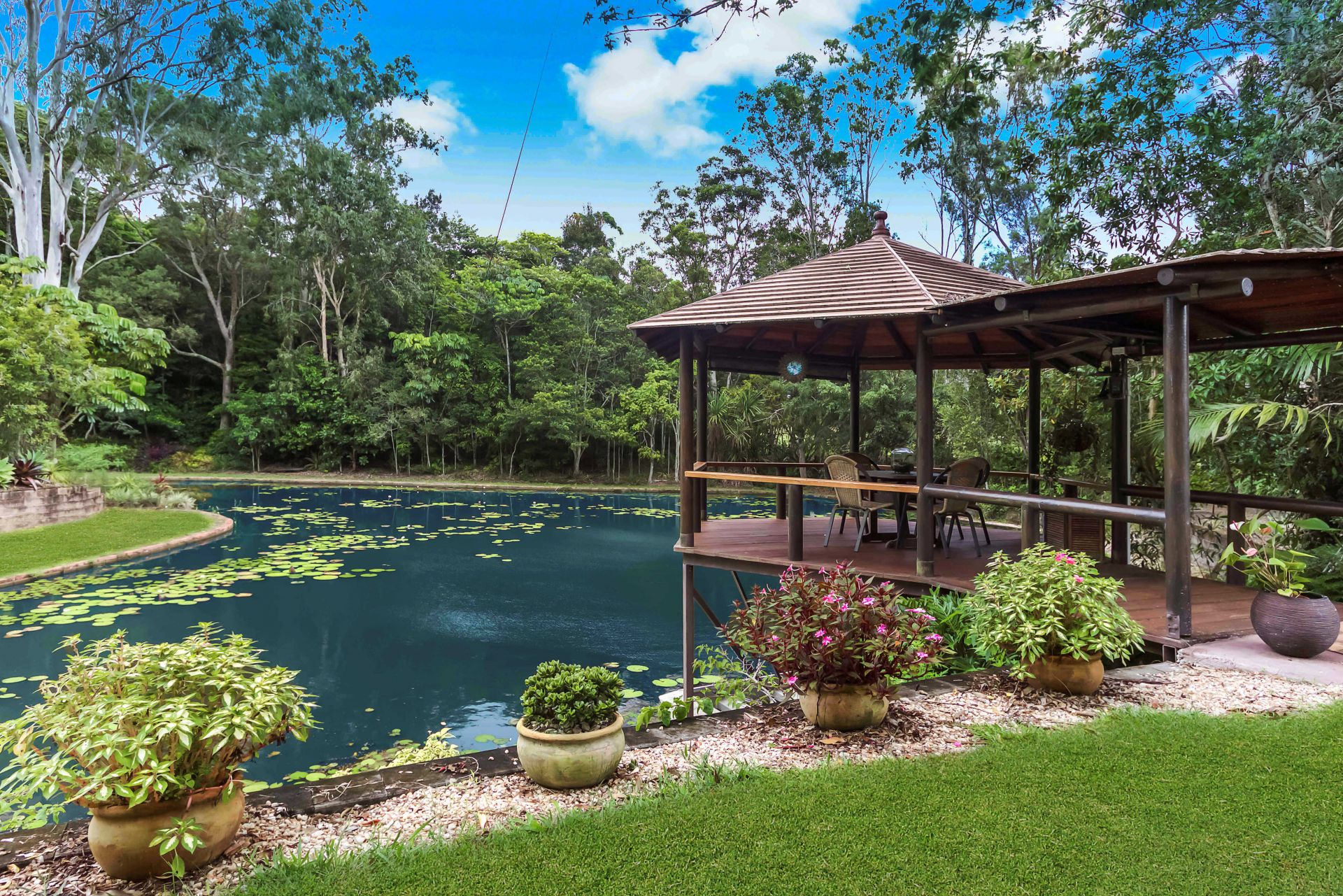 Additional photo for property listing at Idyllic tablelands rainforest retreat with breathtaking grounds   Queensland,4883 Australie