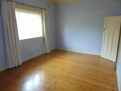3 Bedroom Flat in the heart of West Oatley