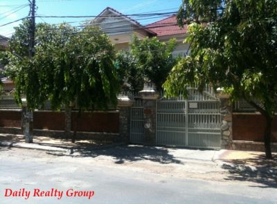 Boeung Kak 2, Phnom Penh | Villa for rent in Toul Kork Boeung Kak 2 img 1