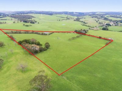 Scenic Rural Holding complete with Amazing Views - 14.17 ha (35 acres) approx.