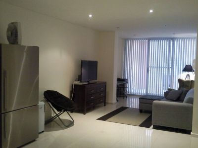 MODERN APARTMENT PERFECT FOR INVESTOR OR FIRST HOME BUYER