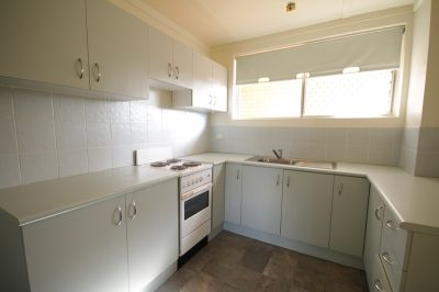 PERFECTLY LOCATED  UNFURNISHED TWO BEDROOM APARTMENT FOR AMAZING VALUE!!