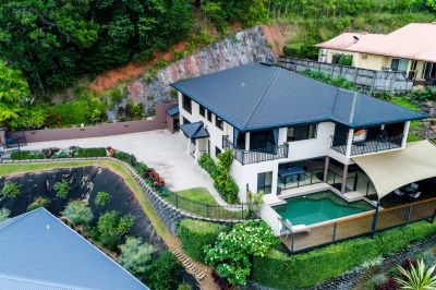 GRAND ENTERTAINER WITH PANORAMIC VIEWS