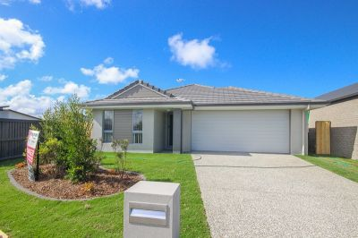 Near New Home In The Heart Of The Sunshine Coast - Sorry I'm Rented!