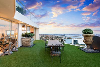 On Top Of The World - High-End Luxury With Awe-Inspiring Views