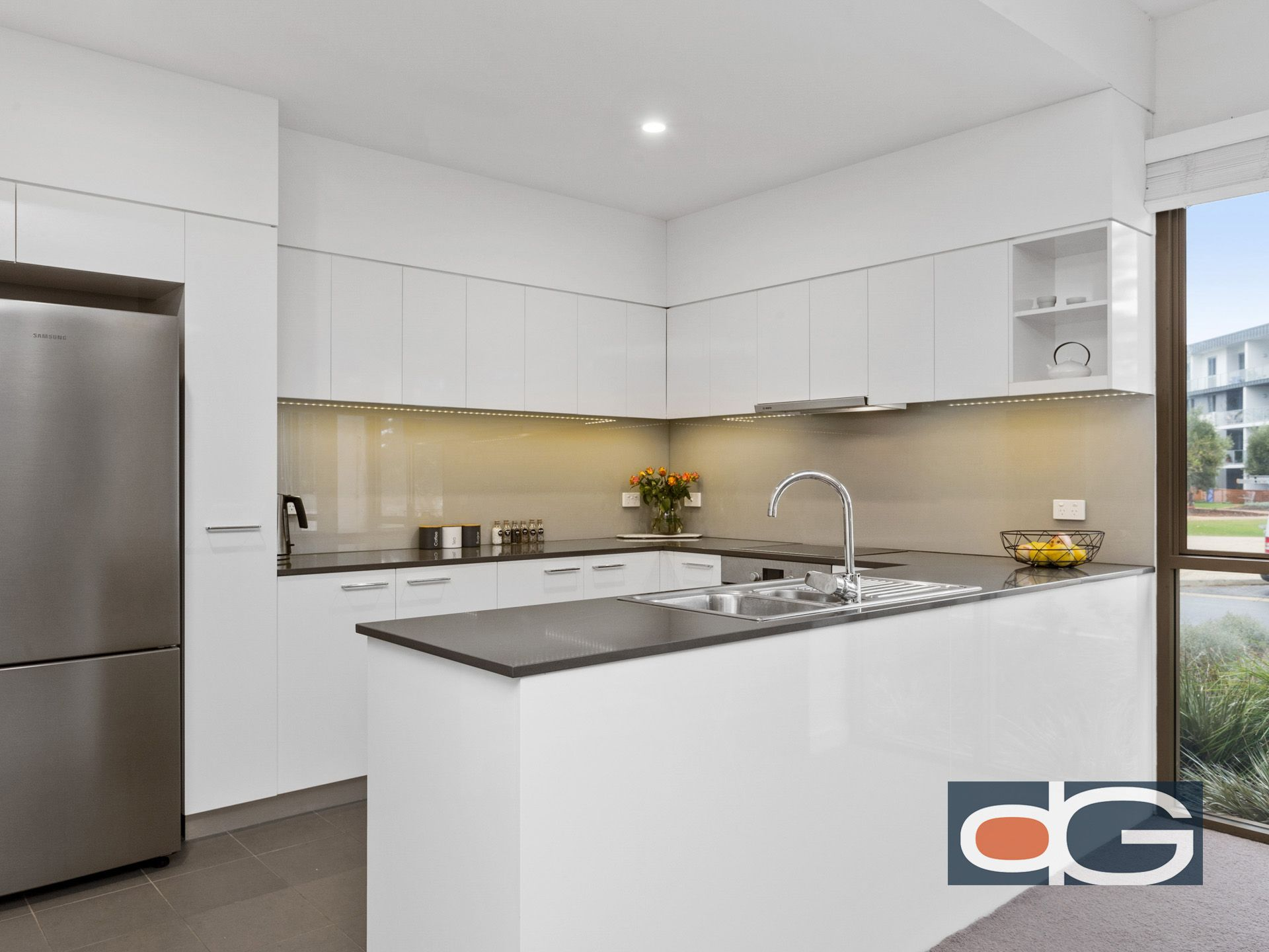 2/22 Heirisson Way, North Coogee