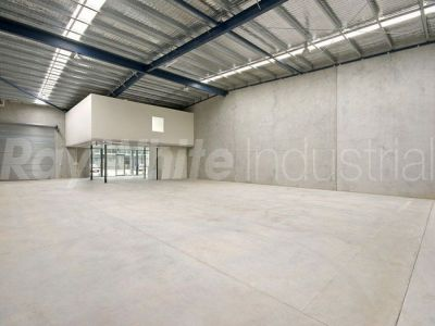 254sqm - 1st Class Warehouse / Office