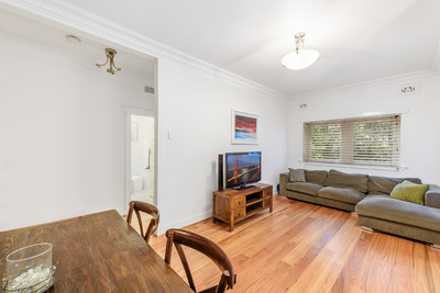 CHARMING APARTMENT IN GREAT LOCATION
