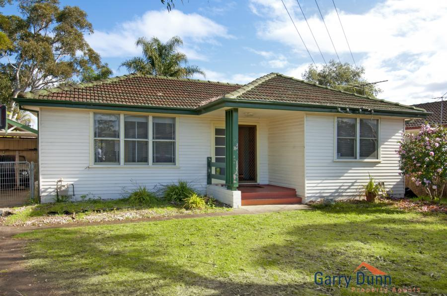 85 Bardia Pde, Holsworthy