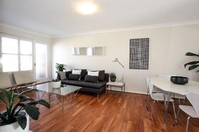 Beautiful light filled apartment