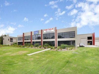 138 sqm - Fantastic Warehouse + Office