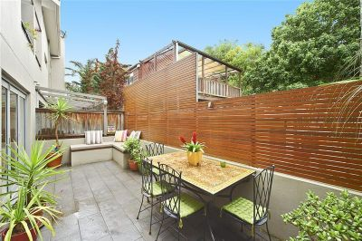 Stylish & Private Townhouse Opposite Park. 3 Bedrooms, 2.5 Bathrooms, 2 Security Carspaces