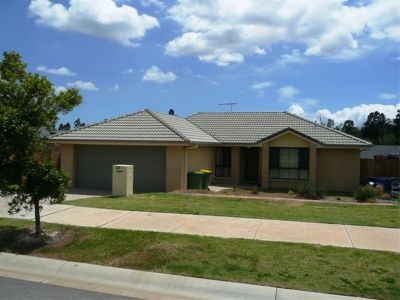 Picturesque Pimpama - Hawthorne Woods Estate