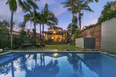 Luxurious Resort-Style Family Entertainer With Pool