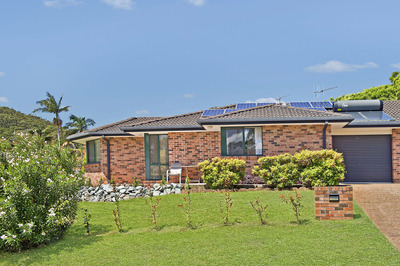 Light Filled & Comfortable Easy Living - Torrens Title Home
