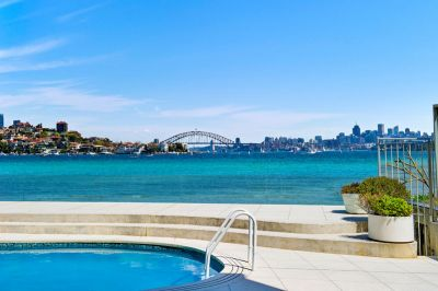 Absolute Waterfront Beach-House Combines Iconic Bridge/Harbour Views With An Idyllic Lifestyle & Further Potential