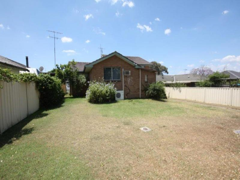 24 James Cook Avenue, Singleton