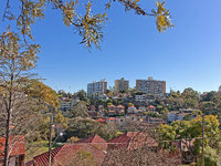 NEUTRAL BAY overlooking the park 2 BED 1 BATH Courtyard