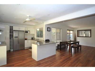 3 BEDROOM RENOVATED - IDEAL LOCATION