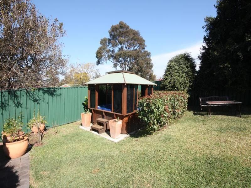 4 Forest Avenue, Singleton