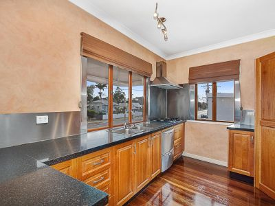Three bedroom apartment offers privacy like no other!
