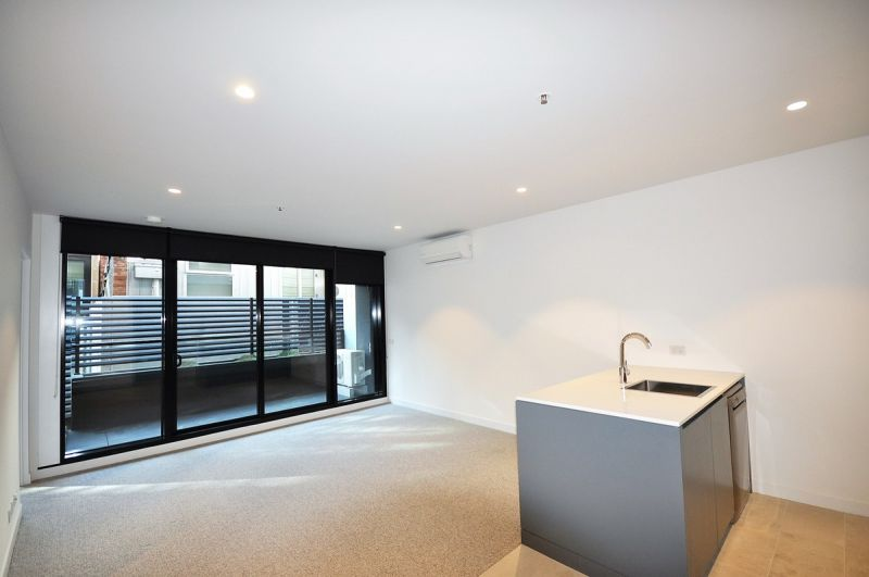 Perfectly Location! Two Bedroom and Two Bathroom Apartment