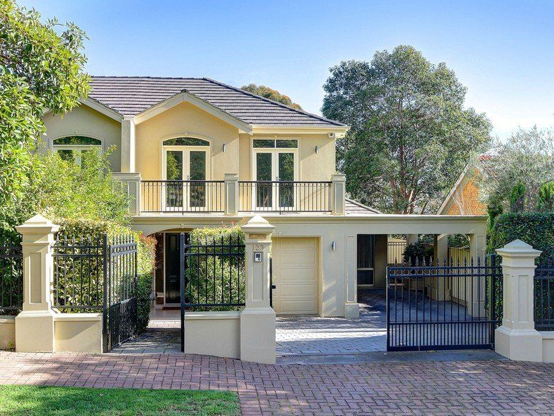 Five Star Luxury Living – Spectacular And Beautifully Designed- Formal Plus Informal Living – 2 Bathrooms – 3 Dble Brs - Alfresco Entertaining