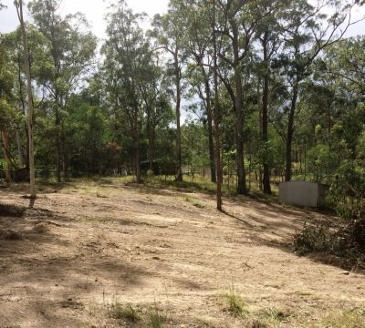 LOOKING FOR SEMI-ACREAGE LIVING BLOCK FOR LARGE FAMILY HOME OR DUAL LIVING OPTIONS...