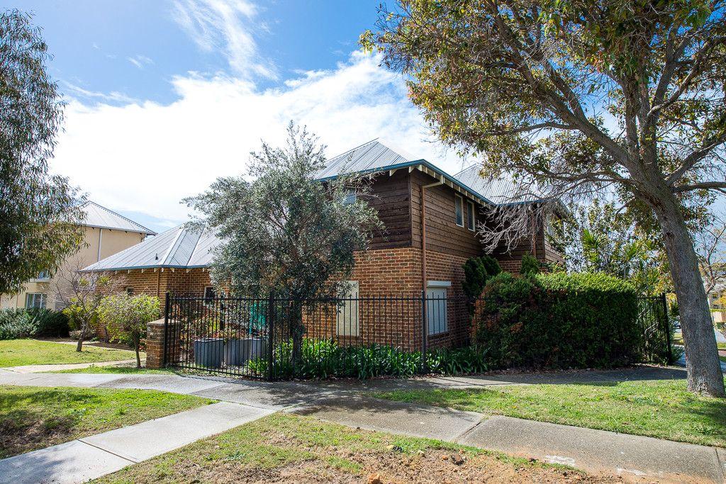 62 Silas Street, East Fremantle