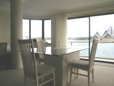Waterfront Apartment | World Class Views | Lock Up Garage