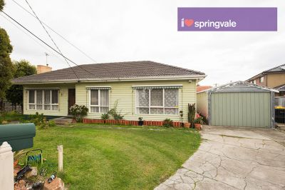 3 Bedroom family home  a quiet court !