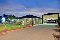 MOTEL LEASEHOLD FOR SALE – BEAUTIFULLY PRESENTED PREMIUM MOTEL IN STRONG MOTEL TOWN