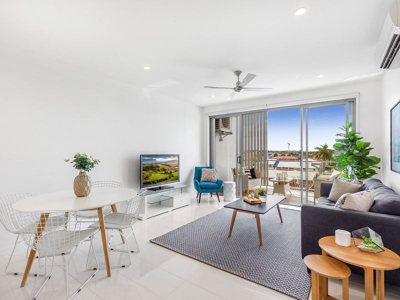 Brand New Penthouse with Views and Huge Private Lockup Storage! Best Value Apartment in Complex BY FAR! Open Home Saturday 24th Feb 2018 10 - 10:30am
