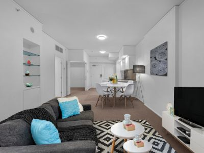 NEAR NEW STUNNING 2 Bedroom Apartment in the Heart of Bowen Hills!
