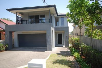4 BEDROOM SPACIOUS MODERN HOME