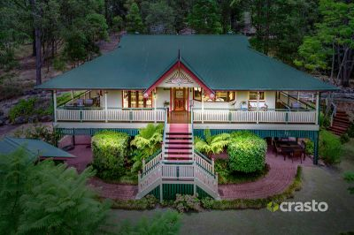 Pristine Queenslander on over 2 Private Acres