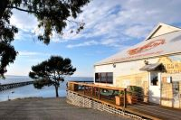 Waterfront: Restaurant / Cafe - Price negotiable for right person