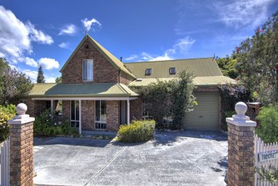 2 Royle Avenue, Coles Bay