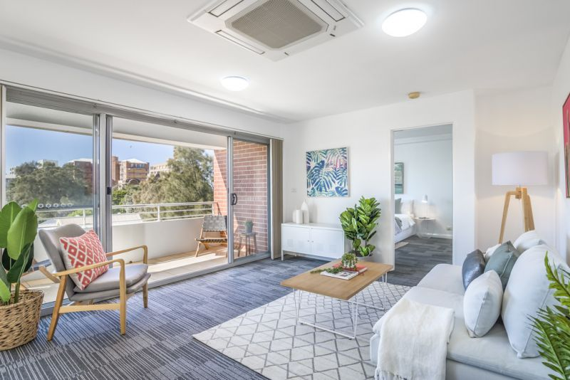 Bright and Breezy East End Apartment